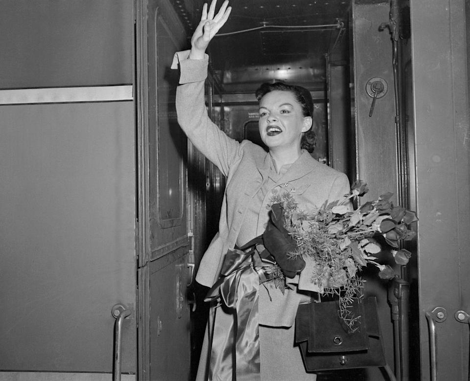 """<p>In 1950, MGM dissolved Judy's longstanding contract due to her unpredictable behavior. For years the studio system had encouraged many of its stars, including Judy, to use """"pep pills"""" or stimulants, and sleeping pills to get sufficient rest to cope with the relentless pace of filming. Unfortunately, her marriage to Minelli also dissolved this year. The next year, she began to rebuild her career with help from producer Sid Luft, starring in shows in London and Broadway and drawing huge crowds. </p>"""