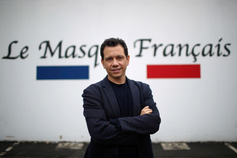 """Revitalized by the health crisis, masks """"Made in France"""" look for a future"""