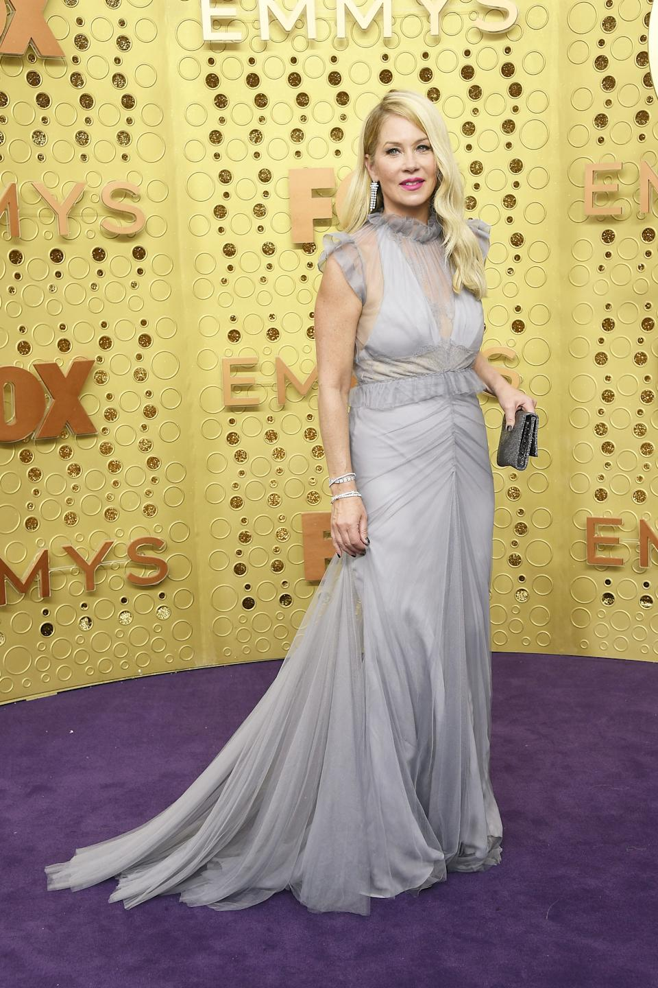 """<h1 class=""""title"""">Christina Applegate in custom Vera Wang Collection</h1><cite class=""""credit"""">Photo: Getty Images</cite>"""