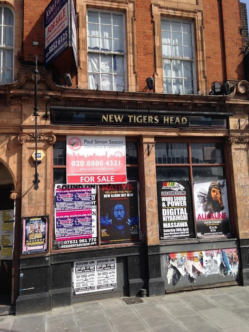 <strong>The New Tiger's Head in Blackheath</strong> (The Victorian Society)
