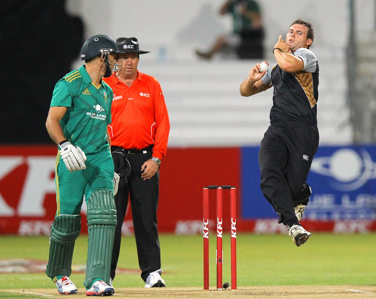 DURBAN, SOUTH AFRICA - DECEMBER 21:   Corey Anderson of New Zealand bowls during the 1st T20 match between South Africa and New Zealand at Sahara Park Kingsmead on December 21, 2012 in Durban, South Africa.  (Photo by Anesh Debiky/Gallo Images/Getty Images)