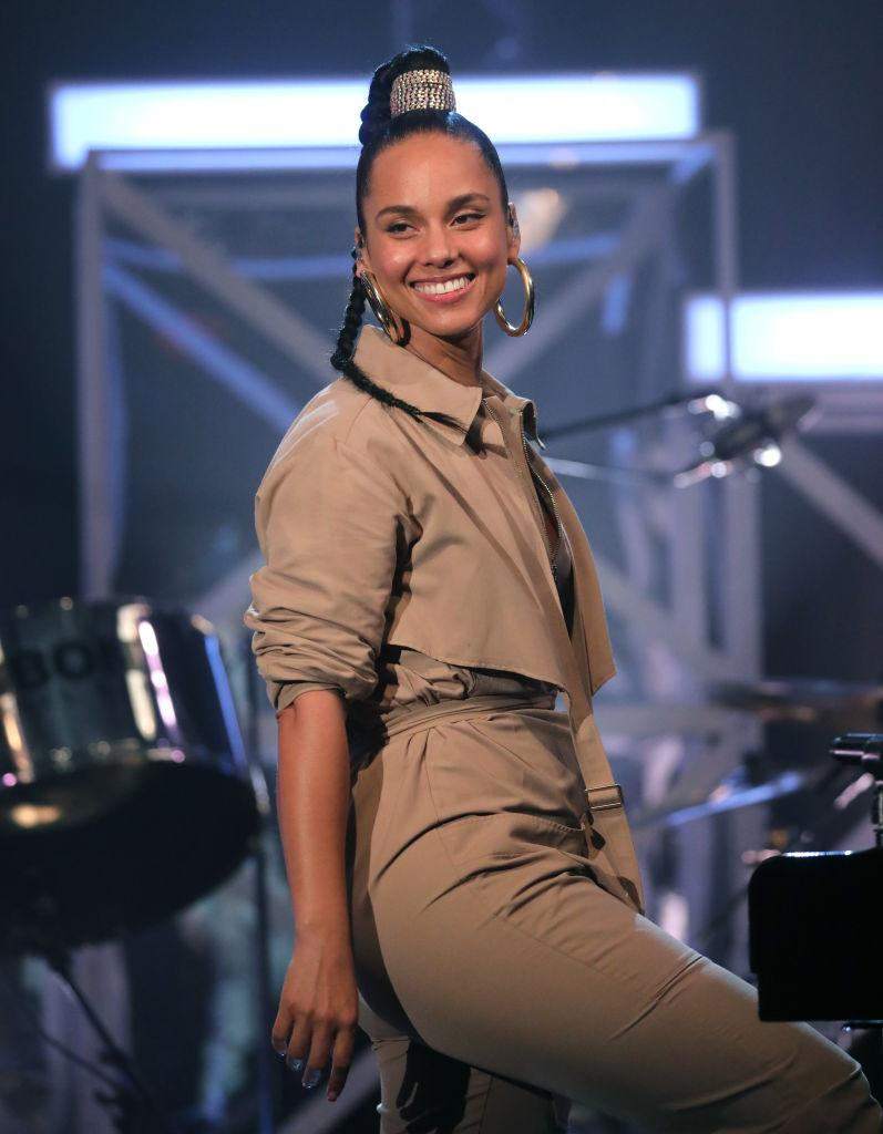 Aquarians make great writers - or songwriters in the case of Alicia Keys. <em>(Image via Getty Images)</em>