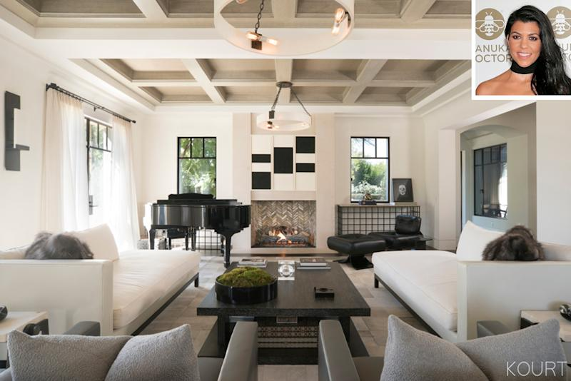 Kourtney Kardashianu0027s Stunning Living Room Includes A Sentimental U2014 And  Huge U2014 Present From Kris Jenner