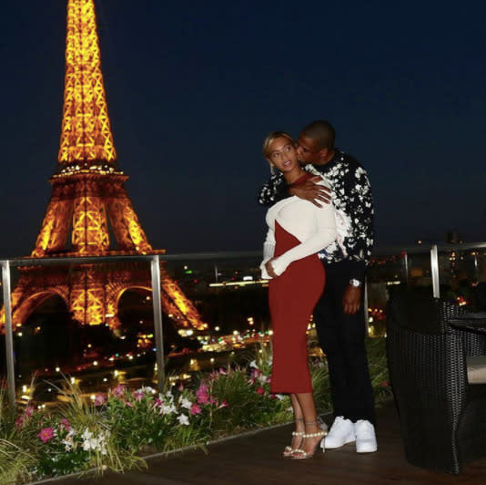 "<p>Kisses from Hova! Beyoncé also got her pose on with Jay-Z in July 2016. (Photo: <a href=""https://www.instagram.com/p/BIbIhoAhEix/?taken-by=beyonce&hl=en"" rel=""nofollow noopener"" target=""_blank"" data-ylk=""slk:Beyoncé via Instagram"" class=""link rapid-noclick-resp"">Beyoncé via Instagram</a>) </p>"