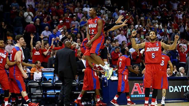 Dayton overwhelms Stanford with depth, advances to first Elite Eight in 30 years