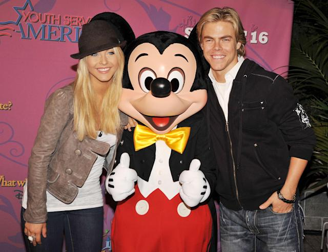 Julianne Hough and her brother, Derek Hough, were happy to be there. (Photo: Kevin Winter/Getty Images)