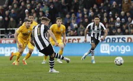 Britain Football Soccer - Newcastle United v Preston North End - Sky Bet Championship - St James' Park - 24/4/17 Newcastle's Matt Ritchie scores their third goal from the penalty spot Mandatory Credit: Action Images / Lee Smith Livepic