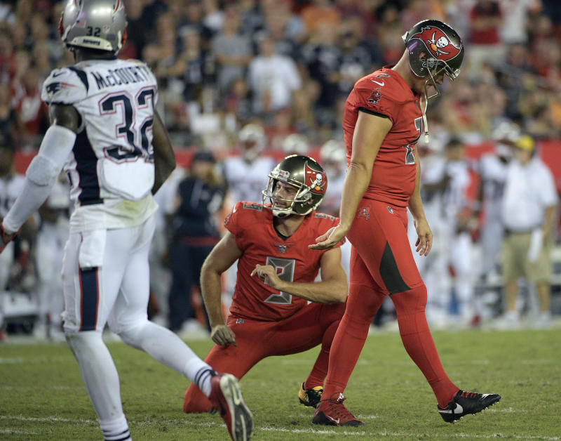 Nick Folk's struggles in the kicking game helped bolster New England's night. (AP)
