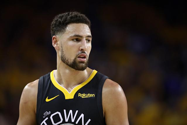 "<a class=""link rapid-noclick-resp"" href=""/nba/players/4892/"" data-ylk=""slk:Klay Thompson"">Klay Thompson</a> doesn't want people to write off the <a class=""link rapid-noclick-resp"" href=""/nba/teams/golden-state/"" data-ylk=""slk:Warriors"">Warriors</a> just yet. (Photo by Ezra Shaw/Getty Images)"