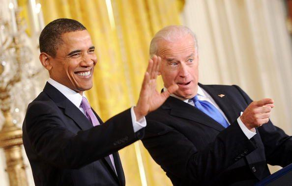 <p>Obama and Biden greet the delegation from the U.S. Conference of Mayors in the East Room on January 21, 2010. </p>