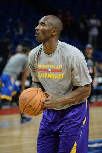 SHANGHAI, CHINA - OCTOBER 18: Kobe Bryant #24 of the Los Angeles Lakers warms up against the Golden State Warriors during the 2013 Global Games on October 18, 2013 at the Mercedes-Benz Arena in Shanghai, China. (Photo by Andrew D. Bernstein/NBAE via Getty Images)