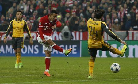 Bayern Munich v Arsenal - UEFA Champions League Round of 16 First Leg - Allianz Arena, Munich, Germany - 15/2/17 Bayern Munich's Thiago Alcantara scores their fourth goal Reuters / Michaela Rehle Livepic