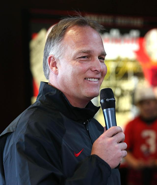 Georgia coach Mark Richt answers questions from fans about Georgia's recruiting class on national signing day Wednesday, Feb. 5, 2014, in Athens, Ga. (AP Photo/Jason Getz)