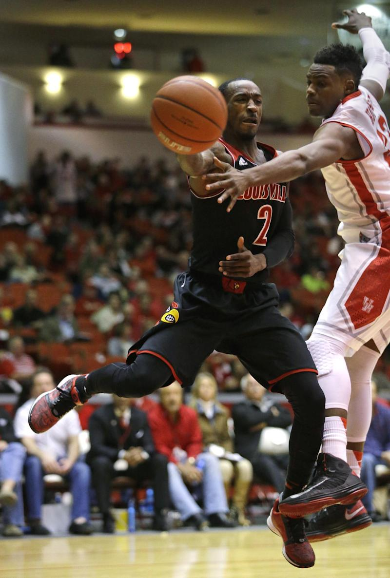 Smith leads No. 14 Louisville to win over Houston
