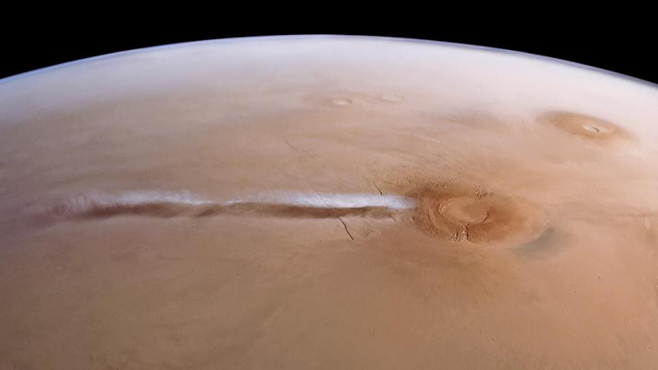 Arsia Mons Elongated Cloud Mars Express HRSC ESA DLR FUBerlin Justin Cowart