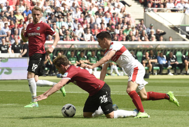 Soccer Football - Hannover 96 v VfB Stuttgart - 2. Bundesliga - HDI-Arena, Hannover, Germany - 14/5/17 Hannover's Oliver Sorg in action with Stuttgart's Josip Brekalo Reuters / Fabian Bimmer Livepic DFL RULES TO LIMIT THE ONLINE USAGE DURING MATCH TIME TO 15 PICTURES PER GAME. IMAGE SEQUENCES TO SIMULATE VIDEO IS NOT ALLOWED AT ANY TIME. FOR FURTHER QUERIES PLEASE CONTACT DFL DIRECTLY AT + 49 69 650050.