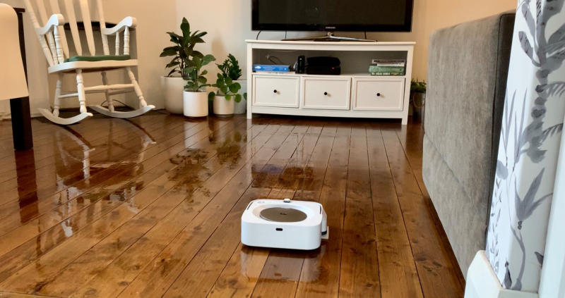 Photo of the irobot braava jet m6 on floorboards