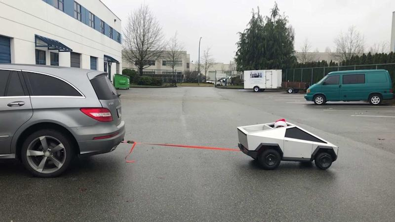 Check This Mini Cybertruck Beat Mercedes R-Class On Tug-Of-War