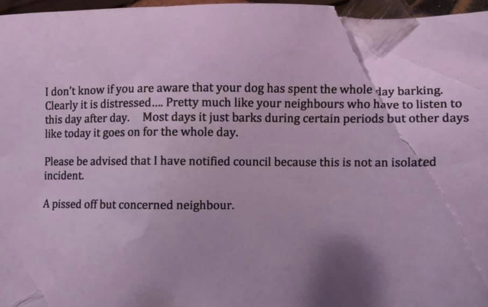 Photo shows a nasty letter about a baring dog in Byron Bay, NSW.