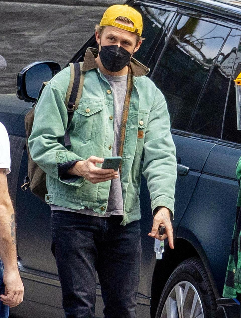 <p>Ryan Gosling is seen for the first time on the set of his upcoming Netflix thriller <em>The Gray Man</em> on Thursday in L.A.</p>