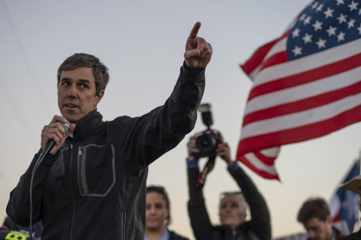 Beto O'Rourke speaks to a crowd during an anti-Trump march in El Paso, Texas, on Feb. 11. (Photo: Paul Ratje/AFP)