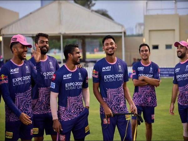 RR pacer Mustafizur Rahman (third from right) shares a light moment with teammates (Photo/Rajasthan Royals)