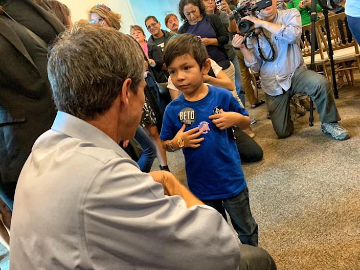 Beto O'Rourke campaigns in Brownsville. (Photo: Holly Bailey/Yahoo News)