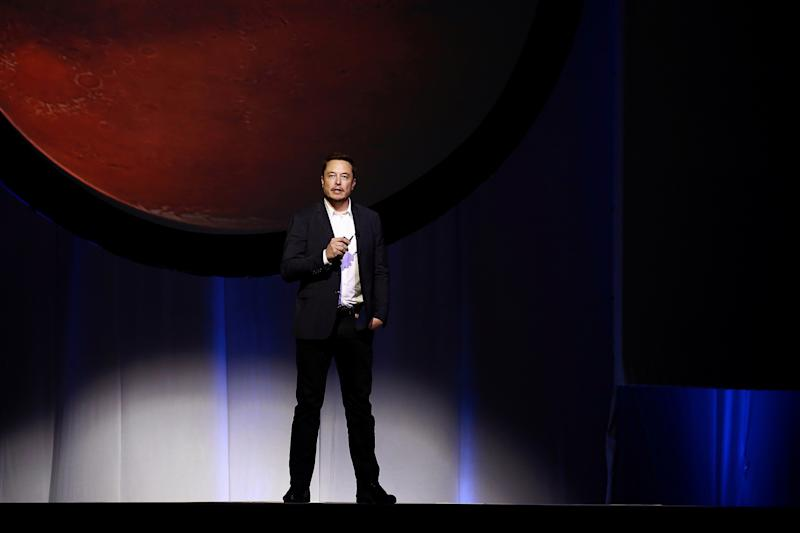 FCC Lets Elon Musk's SpaceX Deploy Over 7000 Satellites