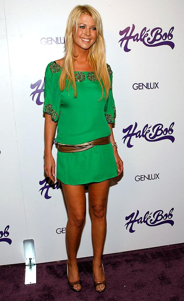 "In ""American Pie"" actress Tara Reid's world (aka ""Taradise""), everyone looks like they've just returned from a tropical vacay where they soaked up way too much sun. Michael Bezjian/<a href=""http://www.wireimage.com"" target=""new"">WireImage.com</a> - July 9, 2008"