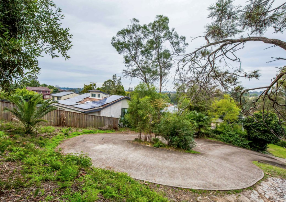 4 Lapstone Place, Leonay NSW 2750. Source: Dukes Estate Agents