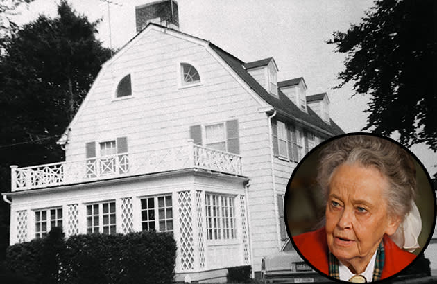 Ghost hunter lorraine warren tells us the one haunted for The warren house