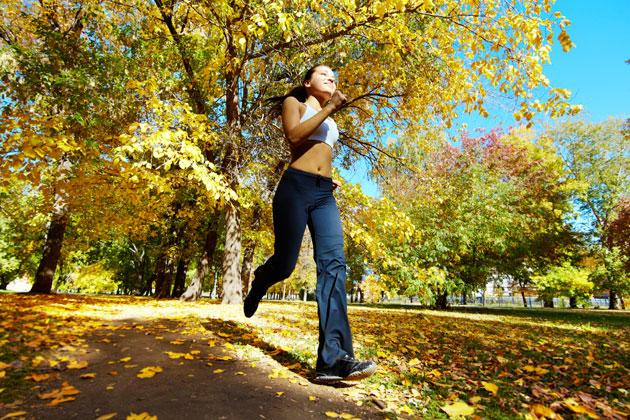 Fit in den Herbst joggen (Quelle: thinkstock)