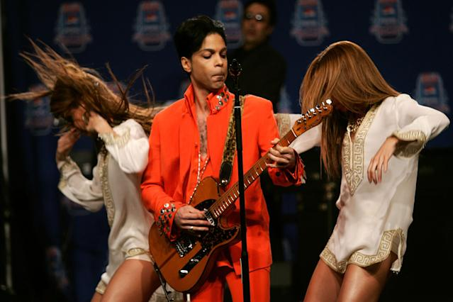 Prince performs during the Super Bowl XLI Half-Time Press Conference at the Miami Convention Center on Feb. 1, 2007, in Miami. (Photo: Getty Images)