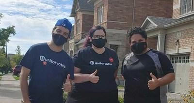 people wearing Unifor votes t-shirts (CNW Group/Unifor)