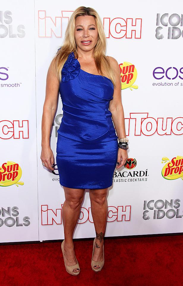 """""""Tell It To My Heart"""" singer Taylor Dayne, who was a contestant on """"Rachael vs. Guy: Celebrity Cook-Off"""" back in January, looked as if she would rather be anywhere else but a red carpet event. Taylor, next time skip the arrivals line! (9/6/2012)"""