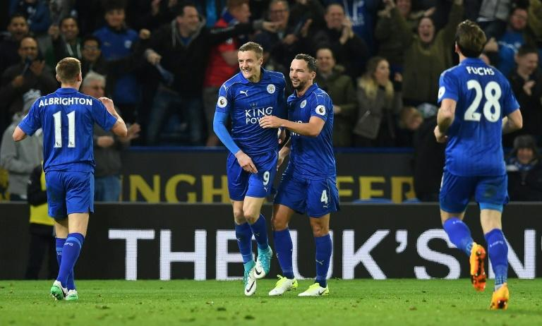Leicester City's striker Jamie Vardy (2L) celebrates scoring his team's second goal during the English Premier League football match between Leicester City and Sunderland on April 4, 2017