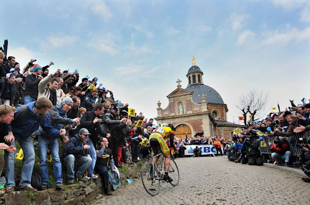 Devolder en route to his biggest win, the 2008 Tour of Flanders in the Belgian national champion's jersey