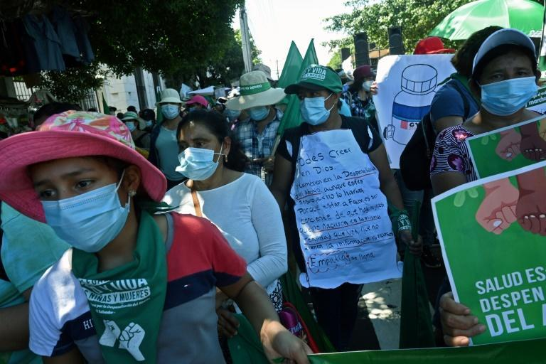 People march demanding the decriminalization of abortion during the Global Day of Action for Legal and Safe Abortion in Latin America and the Caribbean, in San Salvador (AFP/MARVIN RECINOS)