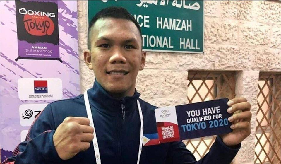 Eumir Felix Marcial shows his ticket to the Tokyo Olympics. Photo: Philippine Athletes at Multi Sport Event