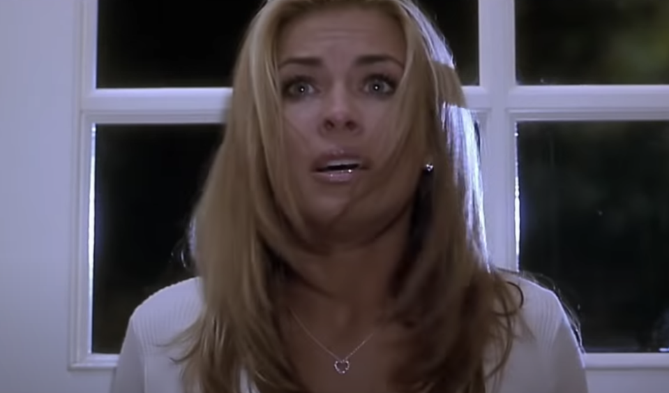 Carmen Electra in Scary Movie. (Dimension)