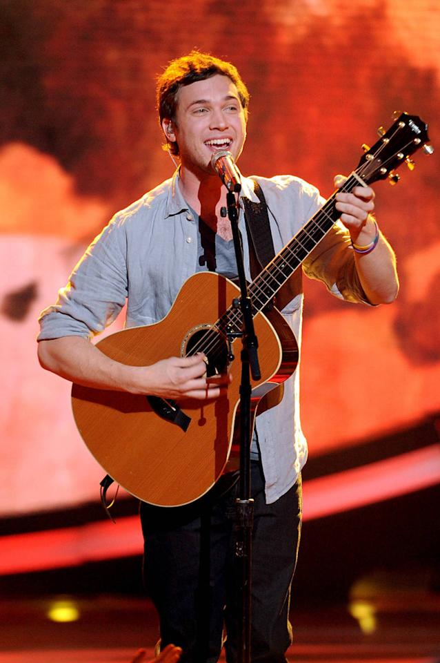 "Phillip Phillips performs ""Beggin'"" by The Four Seasons on ""<a target=""_blank"" href=""http://tv.yahoo.com/american-idol/show/34934"">American Idol</a>."""