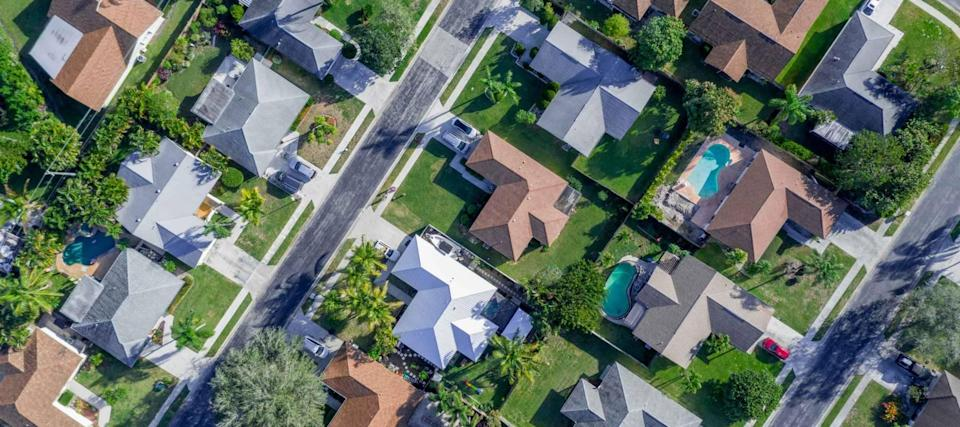 Most homeowners haven't refinanced despite cheap mortgage rates, survey says