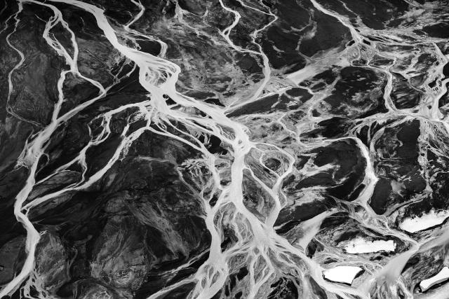 <p>Stunning birds eye photos of the glacial rivers in Iceland. (Photo: Jassen Todorov/Caters News) </p>