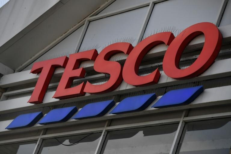 Tesco unveils 16,000 jobs as online food sales surge