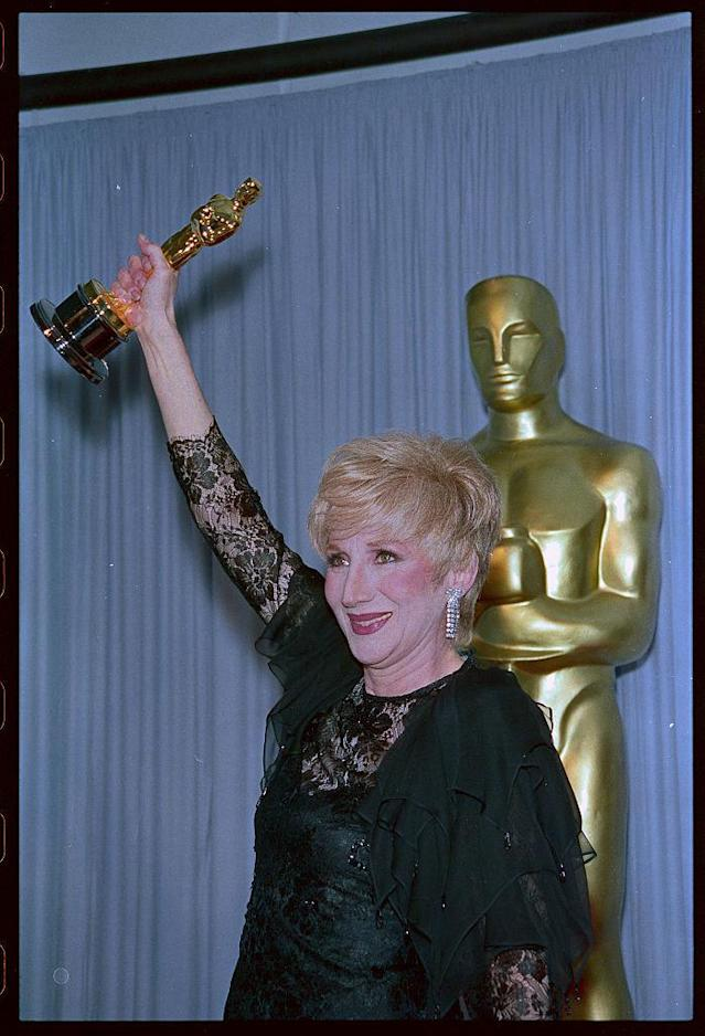 A thief tried to sell Olympia Dukakis the Oscar she won. (Photo: Bettmann/Getty Images)