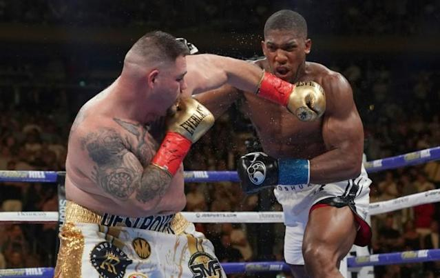 USA's Andy Ruiz fights against England's Anthony Joshua (AFP Photo/TIMOTHY A. CLARY)