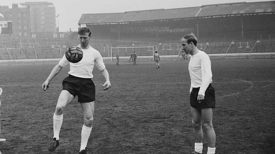 I fratelli Charlton, Jack a sinistra e Bobby a destra | Norman Quicke/Getty Images