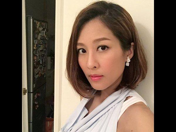 image She has been delivering documents and received cum in face