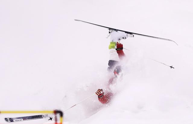 <p>Sho Endo of Japan crashes in the Freestyle Skiing Men's Moguls Final on day three of the PyeongChang 2018 Winter Olympic Games at Phoenix Snow Park on February 12, 2018 in Pyeongchang-gun, South Korea. (Photo by Clive Rose/Getty Images) </p>