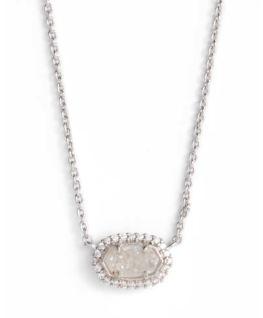 Kendra Scott Chelsea Pendant Necklace. Image via Nordstrom.